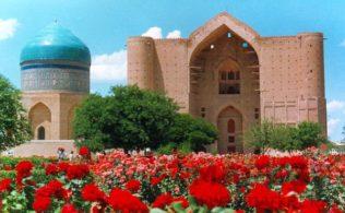 turkistan-yesevi