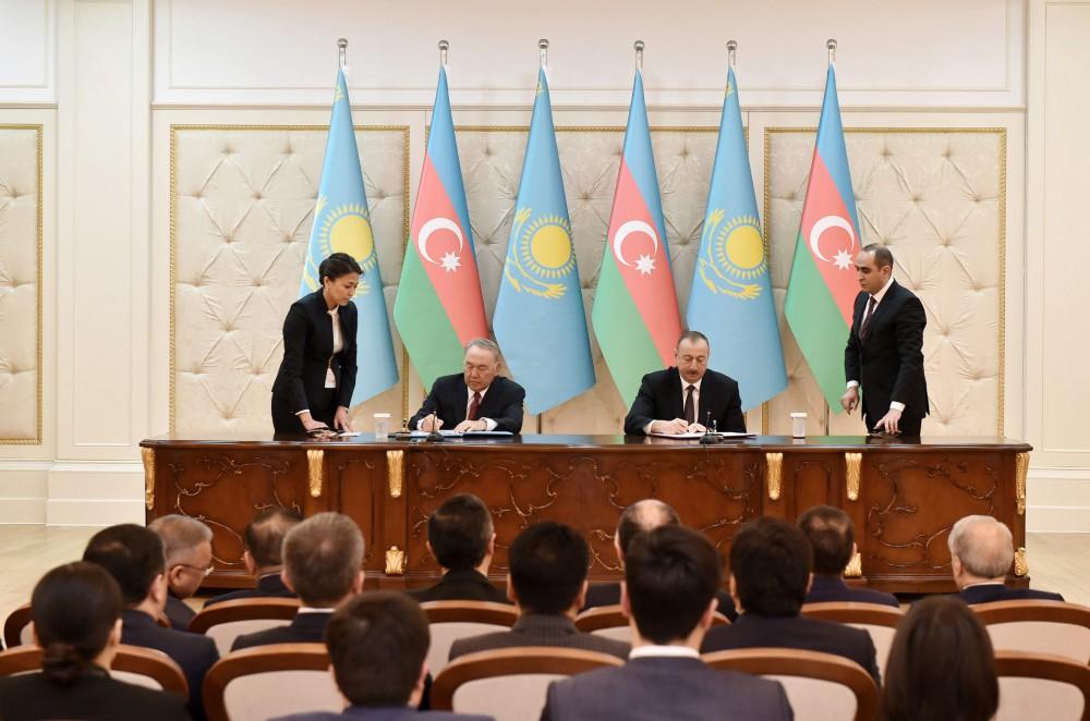 nazarbayev-aliyev-imza1